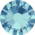 Hotfix steentje in aquamarine kleur. Een licht blauw getinte steen
