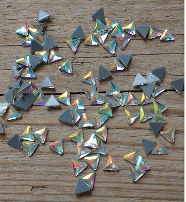 Driehoekje 7 mm Crystal AB Hotfix Rhinestones Superior kwaliteit