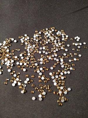 Gold SS 6 Excellent Austrian kwaliteit non-hotfix plakstenen