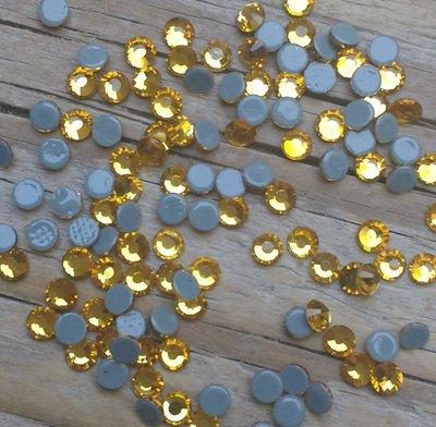 Light Colorado Topaz SS10 Excellent Austrian kwaliteit Hotfix steentjes
