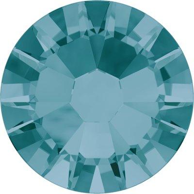Swarovski hotfix steentjes kleur Blue Zircon (229) SS10