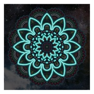 Diamond Painting pakket - Mandala met sterrenhemel - Glow in the Dark 30x30 cm (Partial) in het donker