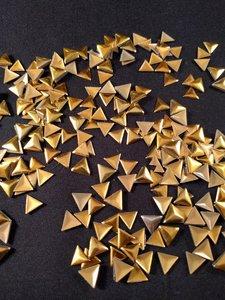 hotfix nailheads kleur goud driehoek