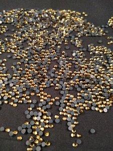 hotfix steentjes budget kwaliteit ss 10 kleur smoked topaz