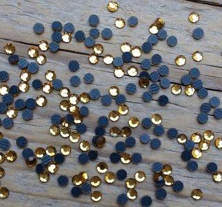 Light Colorado Topaz SS 6 Premium DMC kwaliteit Hotfix steentjes