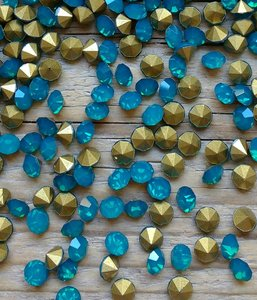 Blue Opal SS6 Pointed Back Rhinestones