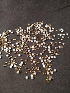 Gold SS 30 Excellent Austrian kwaliteit non-hotfix plakstenen
