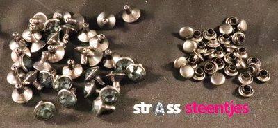 Studs met Strass Black Diamond 8 mm